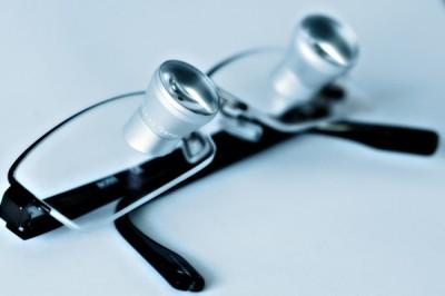 Lupenbrille für Zahnärzte
